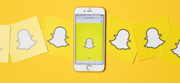 7 Hilarious Trends to Take Unique Snapchat Pictures in 2021